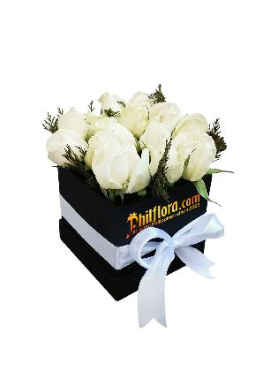 White Roses Love Box