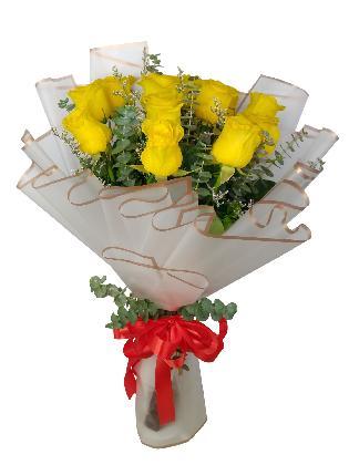 12 Stems White Roses